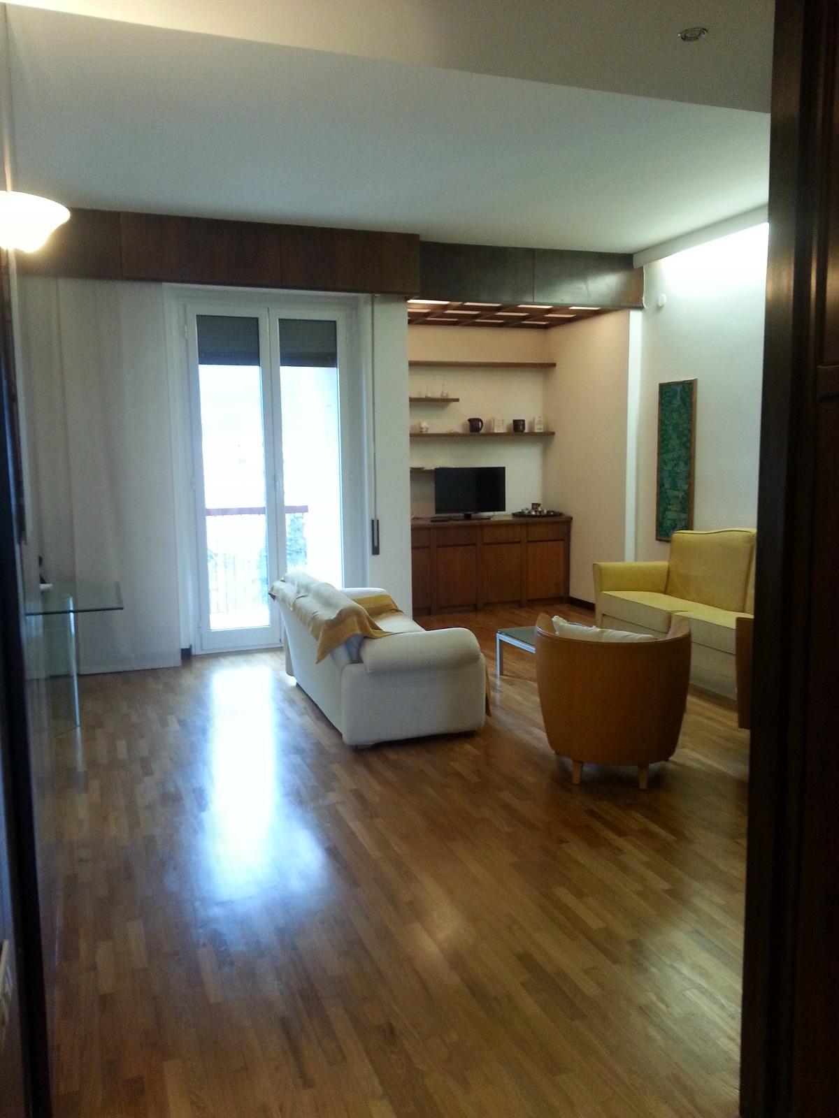 5 posti letto vista mare zona ospedale molo italia for Piani casa molo